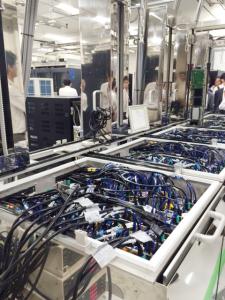 齊藤元章さんが開発した水冷式スーパーコンピュータ
