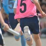 中央大学が小学生向け陸上教室開催 国際大会や国体の選手が指導
