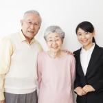 高齢者は裏切られても外見で人を判断、名古屋大学調べ