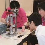 オープンキャンパス実習・実験コーナーの様子(前年度)