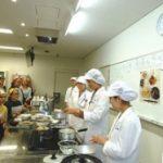金城学院大学 管理栄養士の卵たちが留学生に和食を伝授